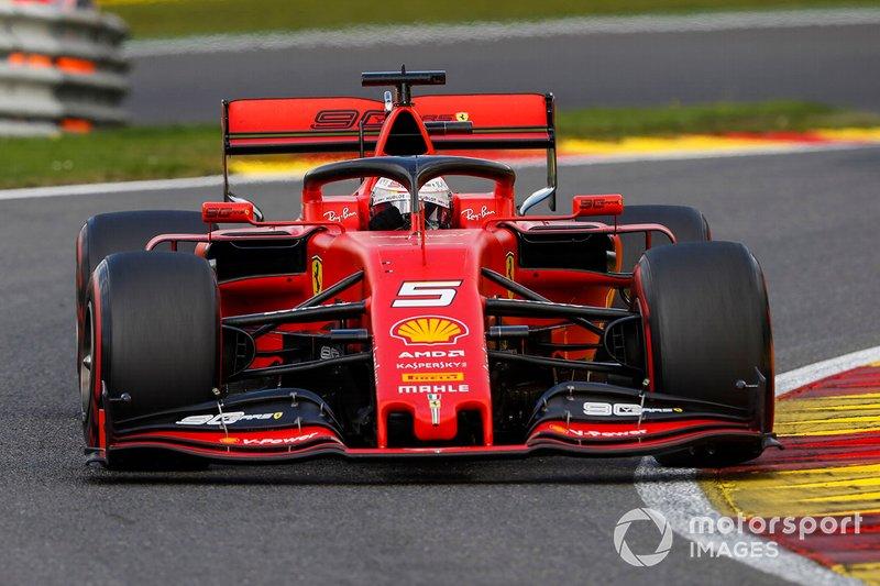 Degradación de neumáticos obliga a segunda parada de Vettel.