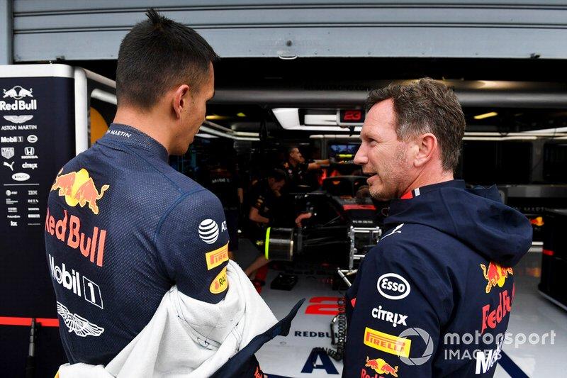 Alexander Albon, Red Bull Racing, con Christian Horner, Team Principal, Red Bull Racing