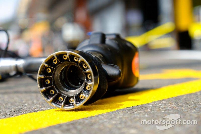 Detalle de la pistola mecánica del equipo Renault F1