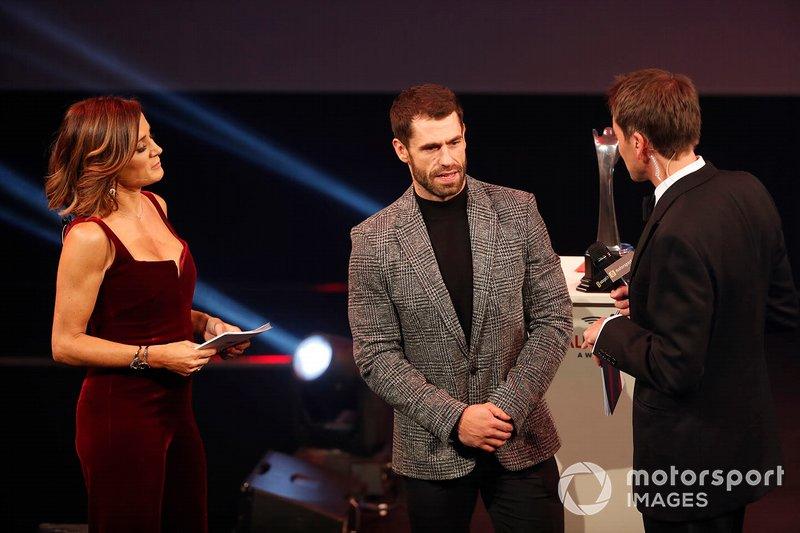 Presentazione del National Racing Driver of the Year award per Colin Turkington