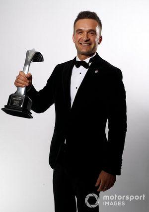 Colin Tarkington gana el Premio al Piloto Nacional del Año
