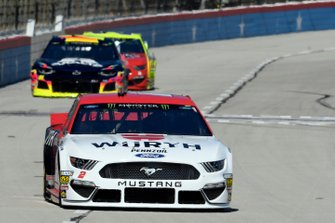 Brad Keselowski, Team Penske, Ford Mustang Wurth, William Byron, Hendrick Motorsports, Chevrolet Camaro Axalta, Paul Menard, Wood Brothers Racing, Ford Mustang Menards / Jack Links