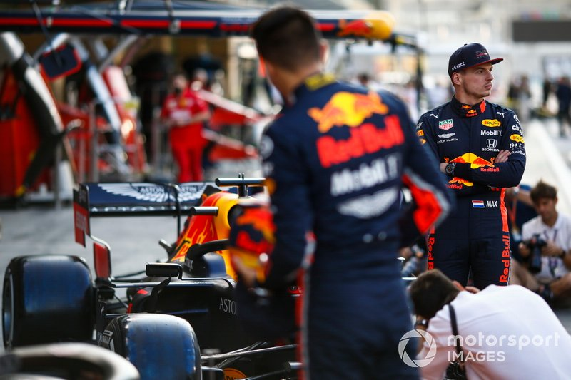 Max Verstappen, Red Bull Racing, e Alexander Albon, Red Bull Racing