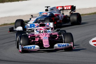 Sergio Perez, Racing Point RP20 and George Russell, Williams FW43