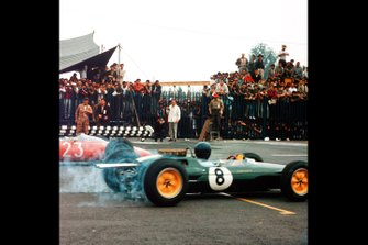 Jim Clark, Lotus 25, John Surtees, Ferrari 156