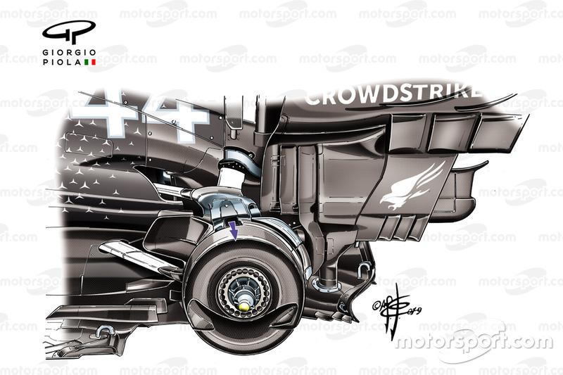 Mercedes AMG F1 W10, dettaglio del cestello del freno posteriore