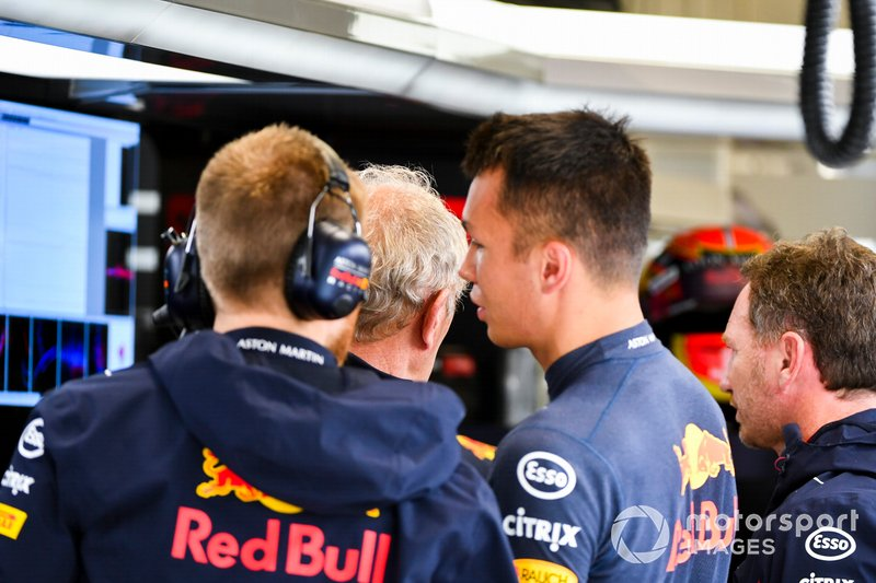 Helmut Marko, Consultant, Red Bull Racing, and Alexander Albon, Red Bull Racing