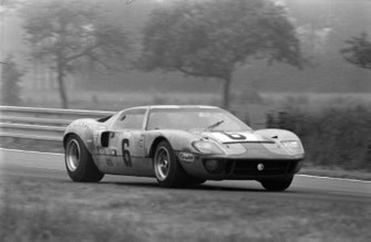 Jacky Ickx, Jackie Oliver, John Wyer Automotive Engineering Ltd, Ford GT40