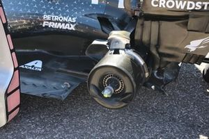 Mercedes AMG F1 W10, cestello del freno posteriore