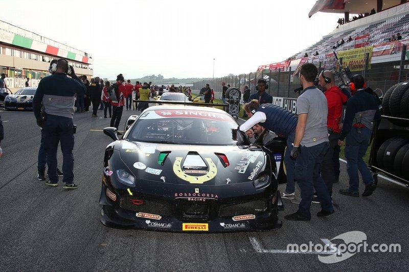 Griglia di partenza: #3 Ferrari 488 Challenge, Rossocorsa: Niccolò Schirò