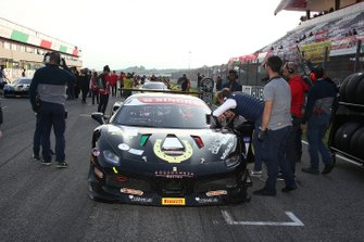 Grid: #3 Ferrari 488 Challenge, Rossocorsa: Niccolo Schiro
