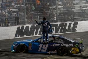 Martin Truex Jr., Joe Gibbs Racing, Toyota Camry Auto Owners Insurance celebrates his victory