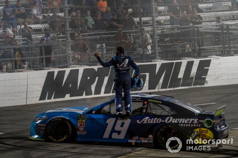 Martin Truex Jr., Joe Gibbs Racing, Toyota Camry Auto Owners Insurance celebrates his victory