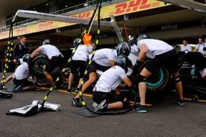 Mercedes AMG F1 practica pitstops