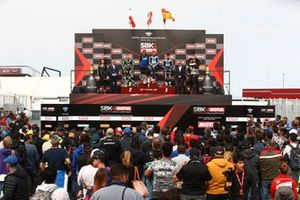 Lucas Mahias, Kawasaki Puccetti Racing, Jules Cluzel, GMT94 Yamaha, Isaac Vinales