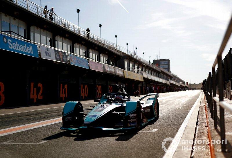 James Calado, Jaguar Racing, Jaguar I-Type 4 exits the pit lane