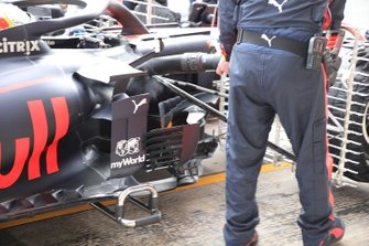 Red Bull Racing RB16 zijkant
