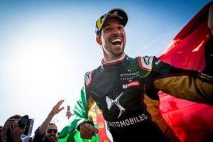 Podio: ganador de la carrera Antonio Felix da Costa, DS Techeetah celebra