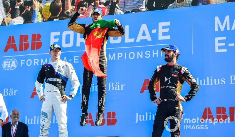 Podio: ganador Antonio Felix da Costa, DS Techeetah, DS E-Tense FE20, segundo lugar, Maximilian Günther, BMW I Andretti Motorsports, y tercer lugar Jean-Eric Vergne, DS Techeetah, DS E-Tense FE20