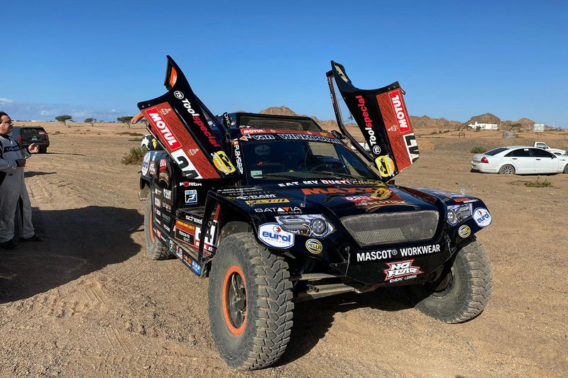 #347 Jefferies and Maxxis Dakar Team: Tim Coronel, Tom Coronel