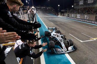 Lewis Hamilton, Mercedes AMG F1 W10, primo classificato
