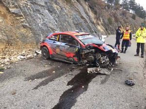 Ott Tanak, Martin Jarveoja, Hyundai i20 WRC after the crash