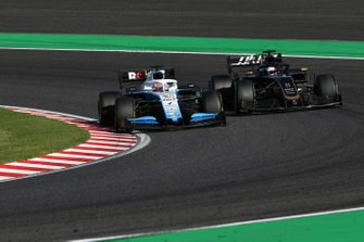 George Russell, Williams Racing FW42,y Romain Grosjean, Haas F1 Team VF-19