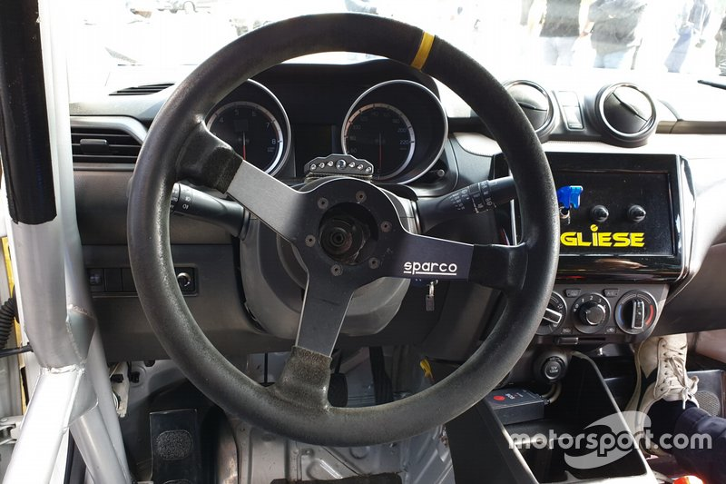 Suzuki Swift Sport, dettaglio del volante