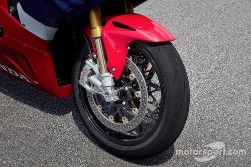 Presentación de la Honda CBR1000RR-R