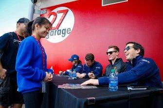 #57 Heinricher Racing w/MSR Curb-Agajanian Acura NSX GT3, GTD: Alvaro Parente, Misha Goikhberg, Trent Hindman, AJ Allmendinger, autograph session