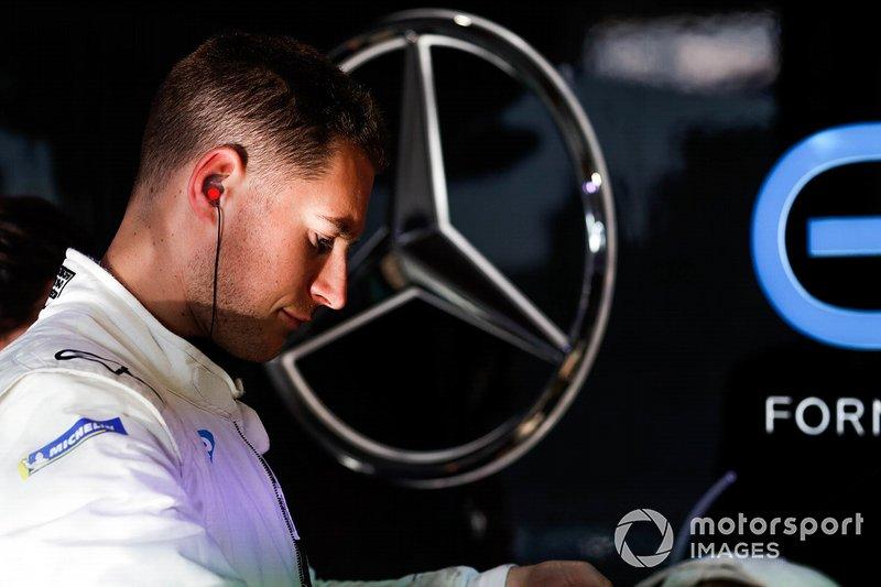 Stoffel Vandoorne, Mercedes Benz EQ in the garage