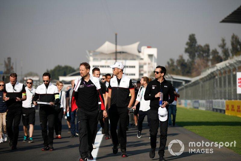 Andre Lotterer, Porsche, Neel Jani, Porsche a piedi in pista coi membri del team