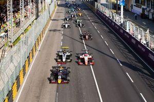 Départ de la course : Jüri Vips, Hitech Grand Prix, en tête
