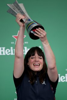 Podio: Hannah Schmitz, Red Bull Racing, Strategy Engineer