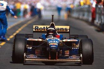 Победитель гонки Дэймон Хилл, Williams FW18 Renault
