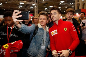 Charles Leclerc, Ferrari has a selfie with a fan