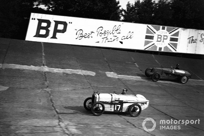 J S H Wilson, #17 Austin Seven, leads John R Cobb, #2 Vauxhall