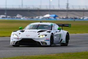 #23 Heart Of Racing Team Aston Martin Vantage GT3, GTD: Roman De Angelis, Nicki Thiim, Ian James, Alex Riberas