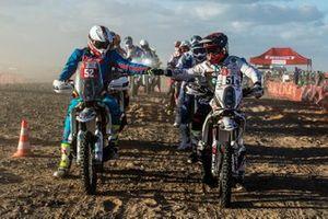 #52 Husqvarna: Petr Vlcek, #51 KTM: Patricio Cabrera