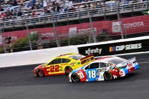 Kyle Busch, Joe Gibbs Racing, Toyota Camry M&M's Red, White & Blue, Joey Logano, Team Penske, Ford Mustang Shell Pennzoil