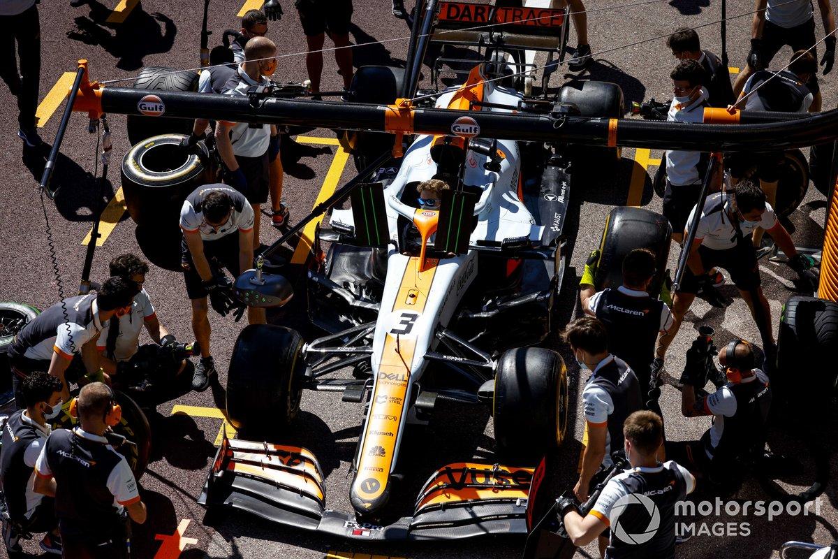 McLaren practica el pitstop con Daniel Ricciardo, McLaren MCL35M