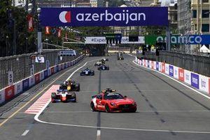 Safety Car leads Robert Shwartzman, Prema Racing and Jehan Daruvala, Carlin
