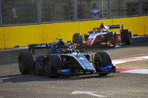 Felipe Drugovich, Uni-Virtuosi, leads Oscar Piastri, Prema Racing