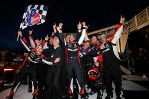 Race winner #31 Action Express Racing Cadillac DPi: Felipe Nasr, Pipo Derani