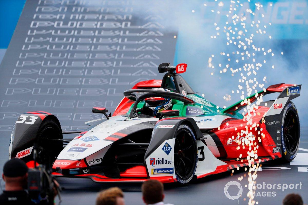 Segundo lugar Rene Rast, Audi Sport ABT Schaeffler, Audi e-tron FE07 llega al podio