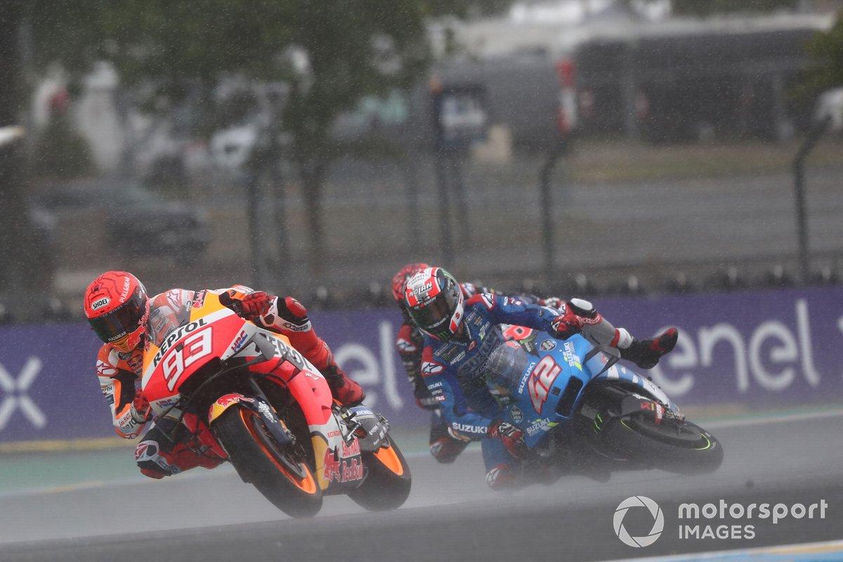 Marc Márquez, Repsol Honda Team, y caída de Alex Rins, Team Suzuki MotoGP