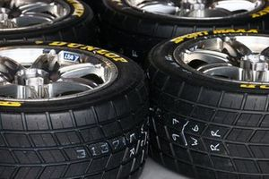 Supercars wet weather tyres