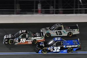 Chandler Smith, Kyle Busch Motorsports, Toyota Tundra Safelite AutoGlass, Johnny Sauter, ThorSport Racing, Toyota Tundra Tenda Equine & Pet Care Products, Bret Holmes, Bret Holmes Racing, Chevrolet Silverado SOUTHERN STATES BANK