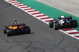 Даниэль Риккардо, McLaren MCL35M, Пьер Гасли, AlphaTauri AT02