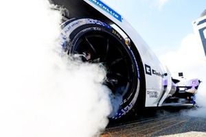 Smoke on the grid from a BMW I Andretti Motorsport, BMW iFE.21